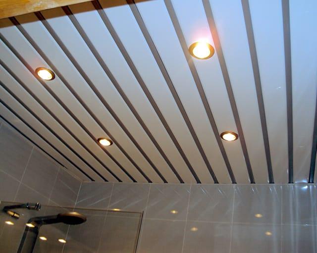 Монтаж потолка в ванной комнате 3